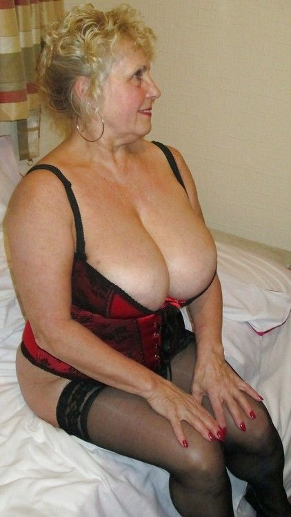 Love It-Love It  Cleavage  Sexy, Sexy Older Women, Big-1247