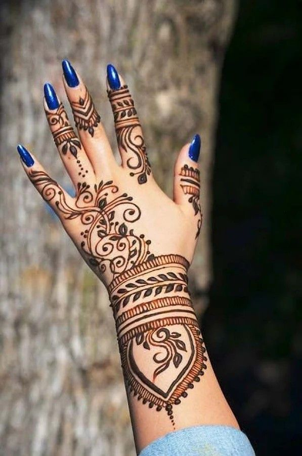50+ Gorgerous and Inspiring Henna Designs for Women #hennadesigns