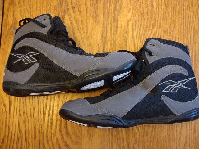 buy online 319e4 7c42f Reebok Wrestling Shoes sz 9