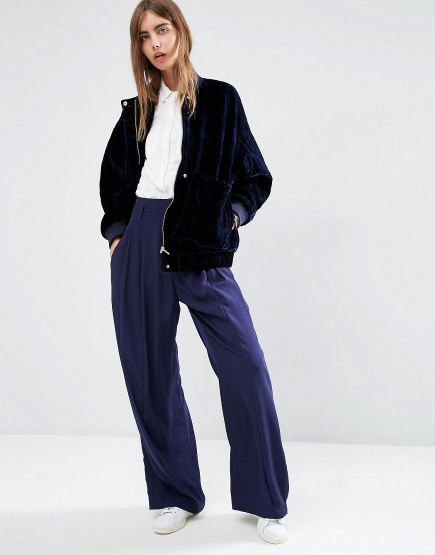 Looks like ASOS WHITE just won the velvet bomber game. Go premium with this key piece, which is quilted for major luxe style. Worth the investment? Uh huh, honey