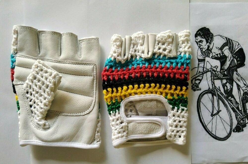 Vintage Style Crochet Blue/&White Cycling Mitt.