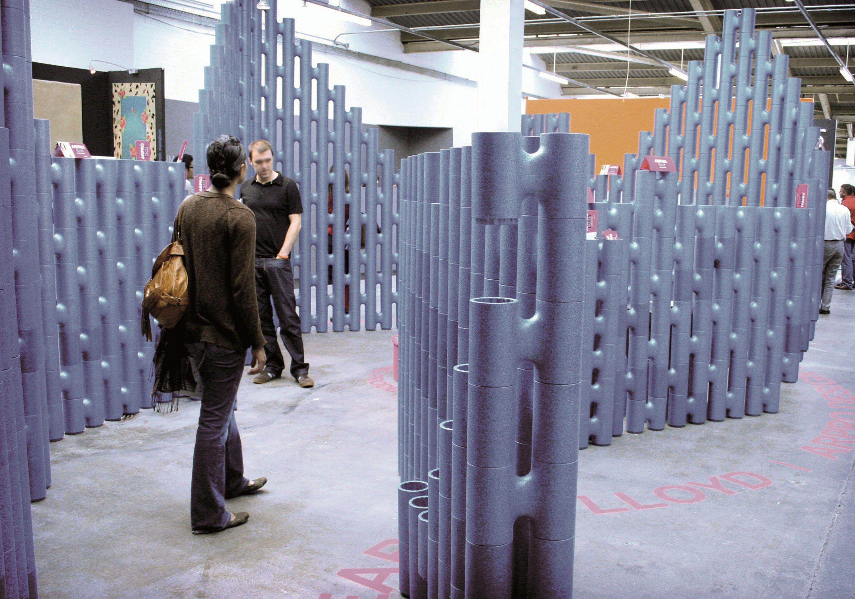 Pannello divisorio free standing in polipropilene LINK by Movisi design Tom Lloyd, Luke Pearson