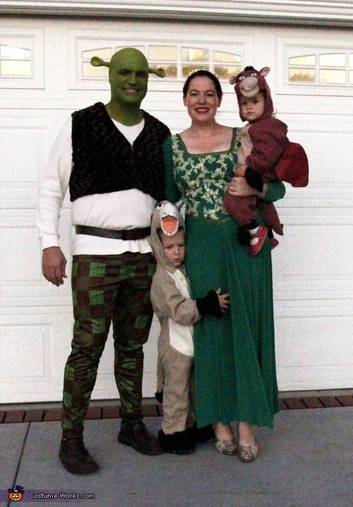 Shrek And Fiona Halloween Costume Contest At Costume Works Com Halloween Costume Contest Shrek Costume Family Costumes