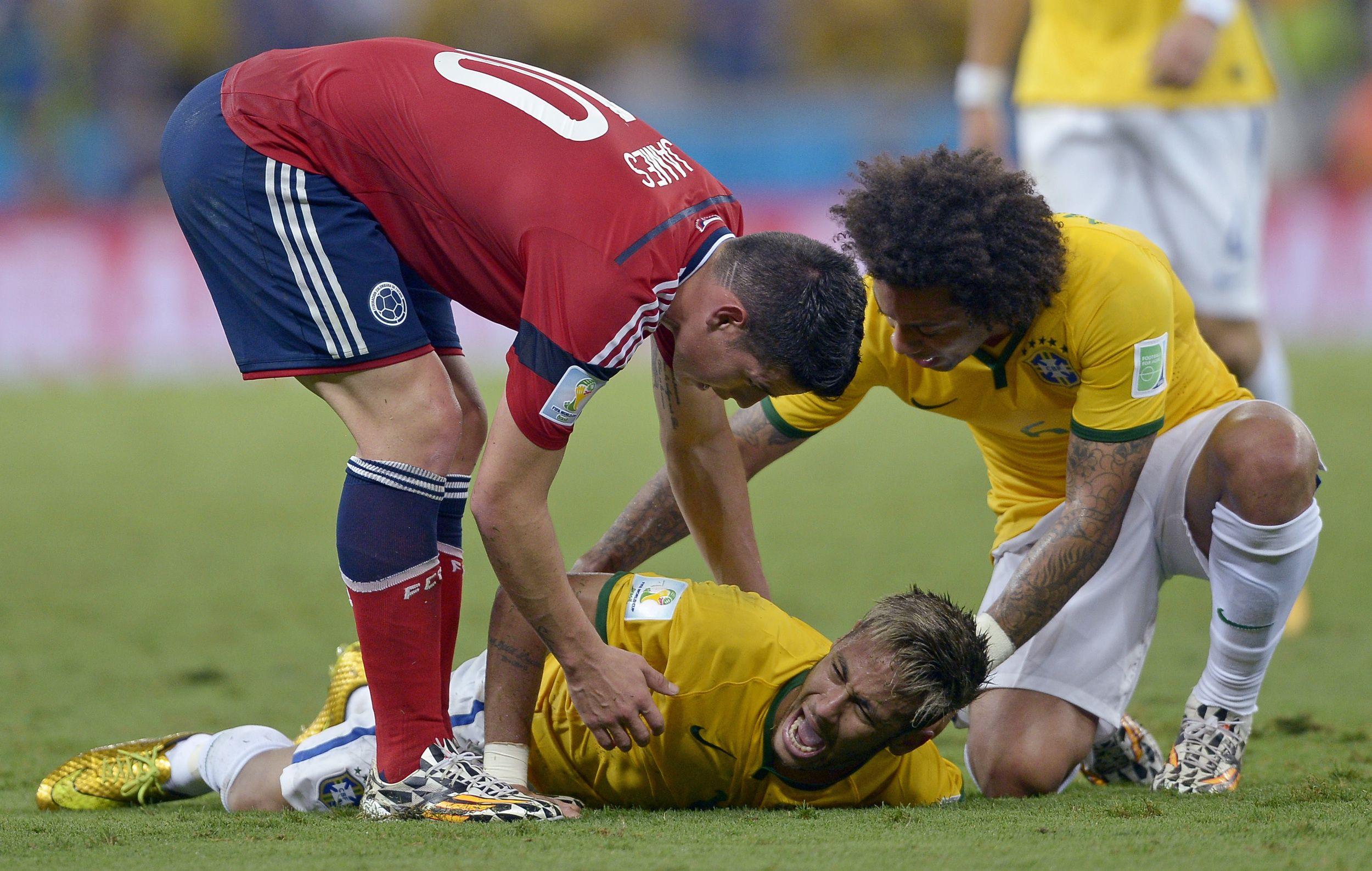 Brazil Striker Neymar To Miss Rest Of World Cup Neymar World Cup Neymar Injury