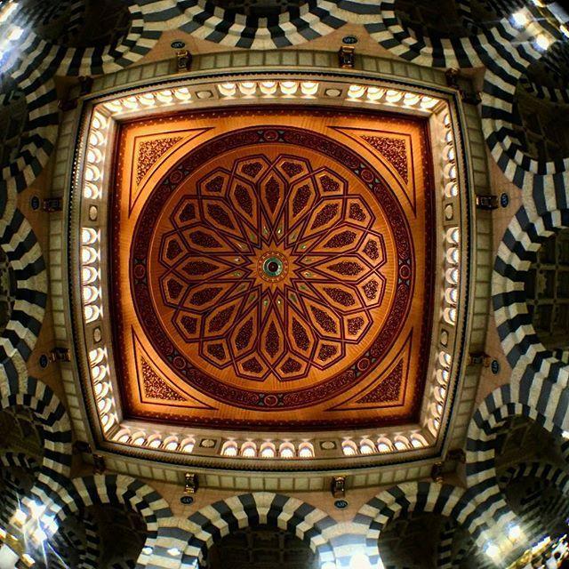 @Regrann from @hahoussein -  #fisheye #dome #mosque #ksa #Maddinah:: #haramain_photo :: ➖➖➖➖➖➖➖➖➖ #םבםב ❤ﷺ  ٱللَّـﮬـُمَّ صـَلِّ وَسَلِّـم وَبَارِك ْ؏َـلَے سَيِّدِنَـا  مُحَمـَّدْ ❤  #اللهم_يسر_لنا_سبيلاً_إلى_بيتك_الحرام  #اللهم_حجة_لا_رياء_فيها_ولا_سمعة ➖➖➖➖➖➖➖➖ #اللهم_صل_وسلم_وبارك_على_نبينا_محمد  #صلى_الله_عليه_وسلم  #أجمل_صور_من_الحرمين_الشريفين  #The_most_beautiful_photo_from_haramain  #haramain_photo 🌹 ➖➖➖➖➖➖➖➖➖ 🌹вαsмα🌹 - #regrann