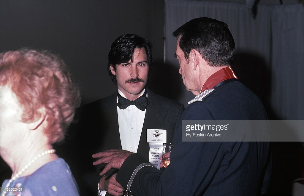 apple co founder steve jobs chats with a general at the academy of rh pinterest com