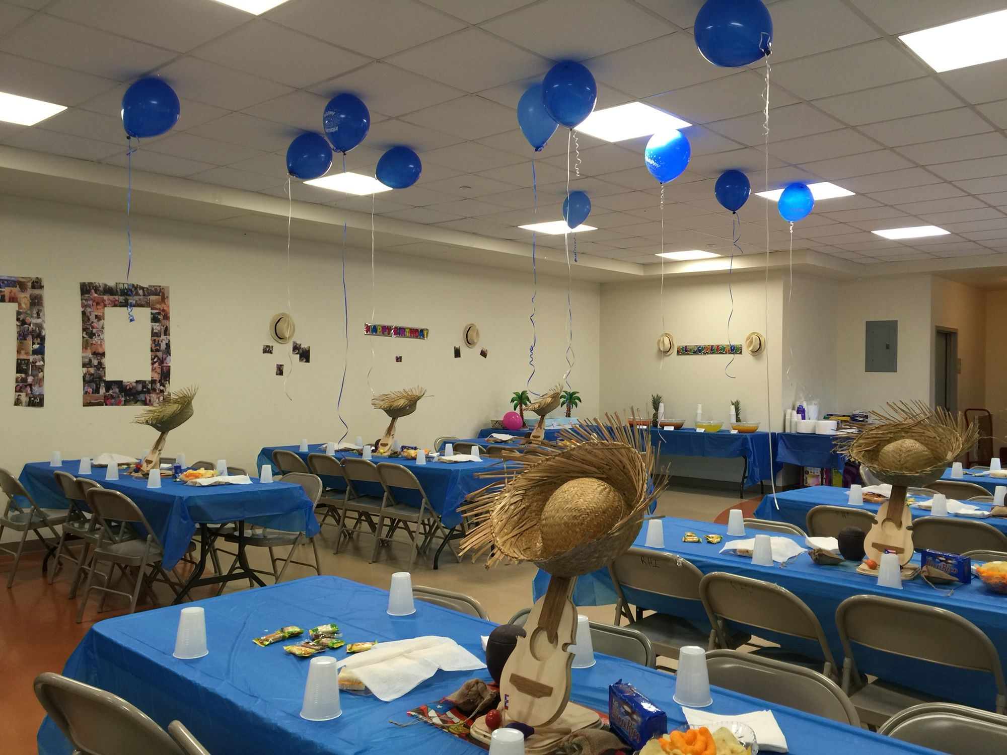 My dad 39 s 70th birthday puerto rican party decorations for 70th decoration ideas