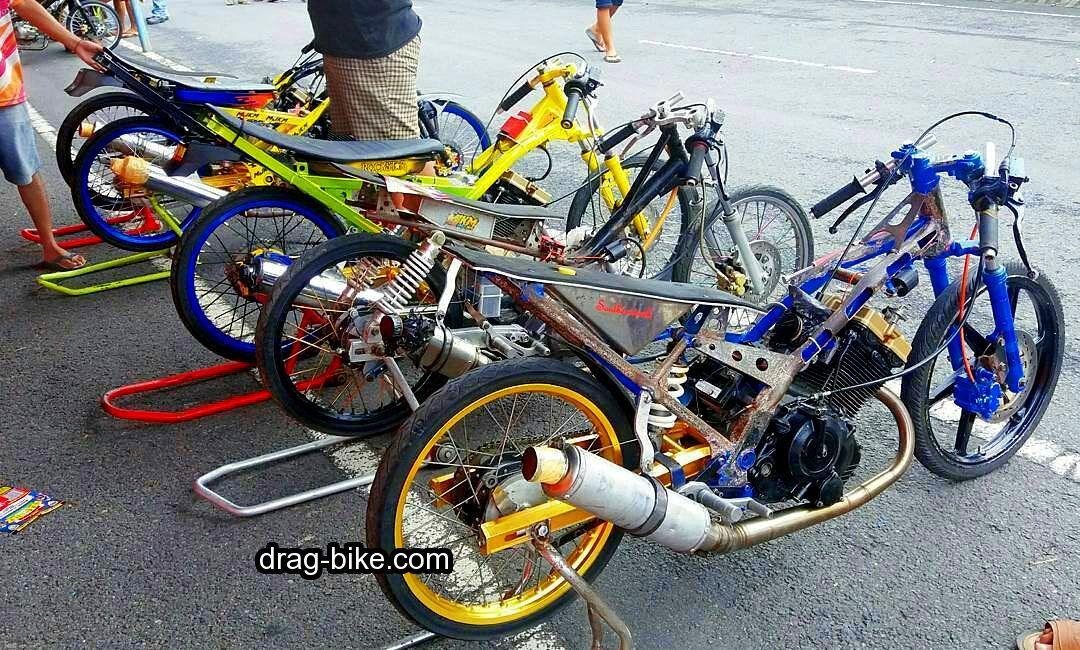 45 Foto Gambar Modifikasi Motor Satria Fu Drag Race Style Drag Bike Com Di 2020 Motor Gambar