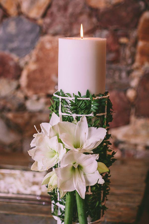 Idees Gia Gamo Ta Xristoygenna Love4weddings Flower Decorations Christmas Wedding Inspiration Candle Wedding Decor