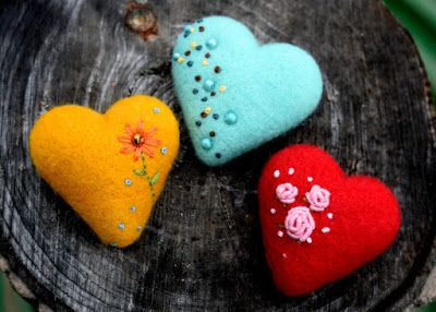 felted heart brooch workshop Feb 11 and 12 2017