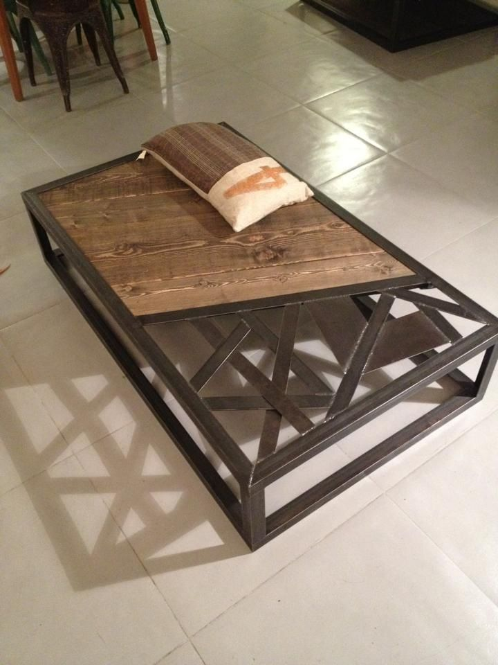 Best 25 table basse metal ideas on pinterest table for Table industrielle bois
