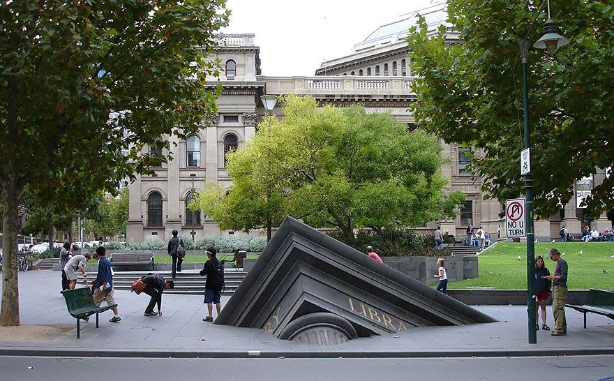 Sinking Building Outside State Library, Melbourne, Australia ...