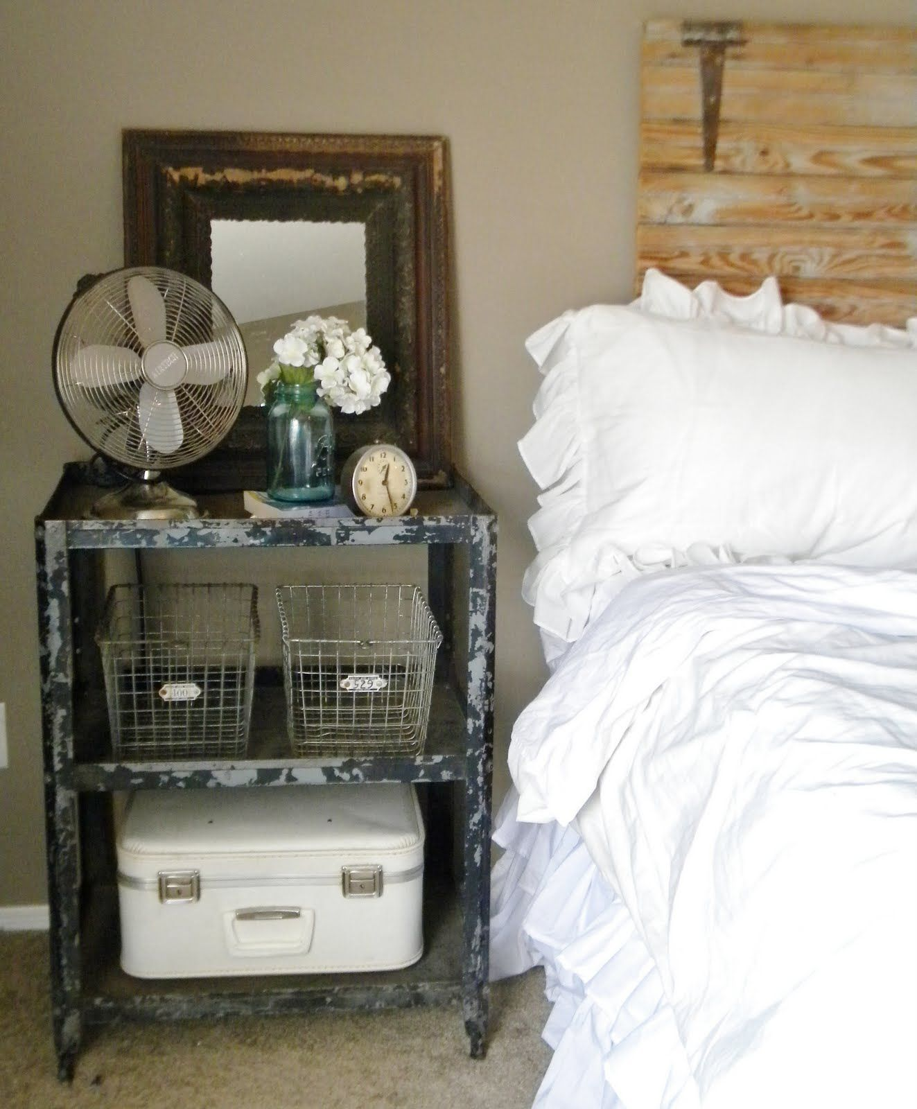 Love The Antique Metal And Vintage Objects - Dont Be