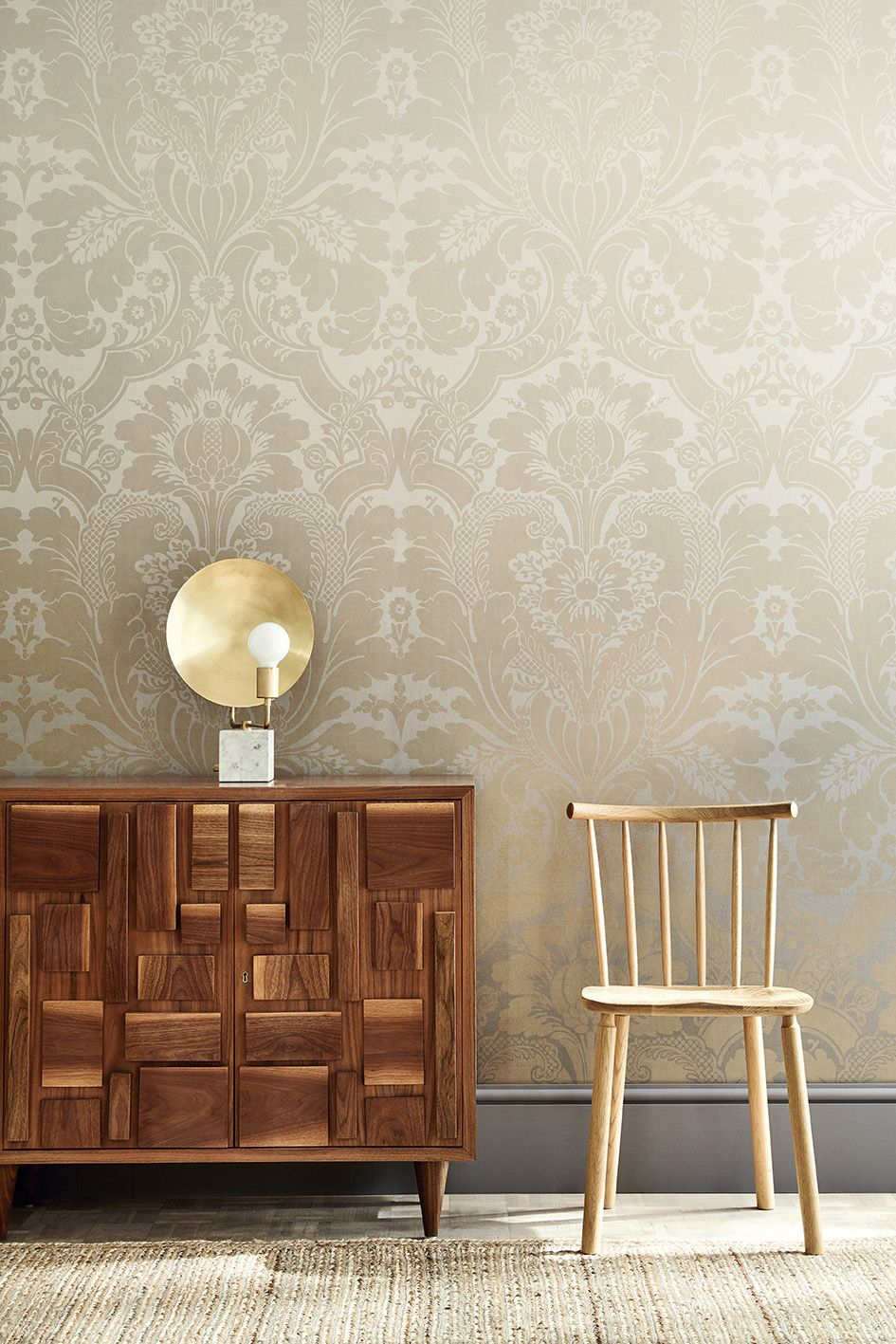 Suede Behang Wallpaper St James Park Suede Fade Skirting Dark Lead Colour