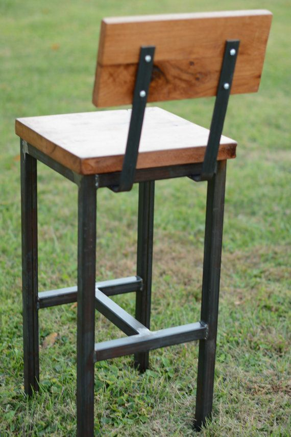Wood and steel barstool rustic industrial sillas for Muebles de madera industrial acero
