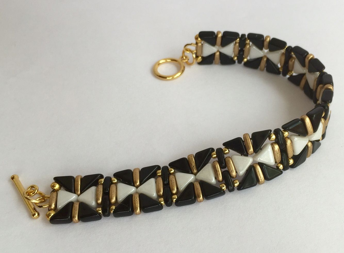 Bracelet made with Kheops and Tangos. Beautiful Rain Jewelry