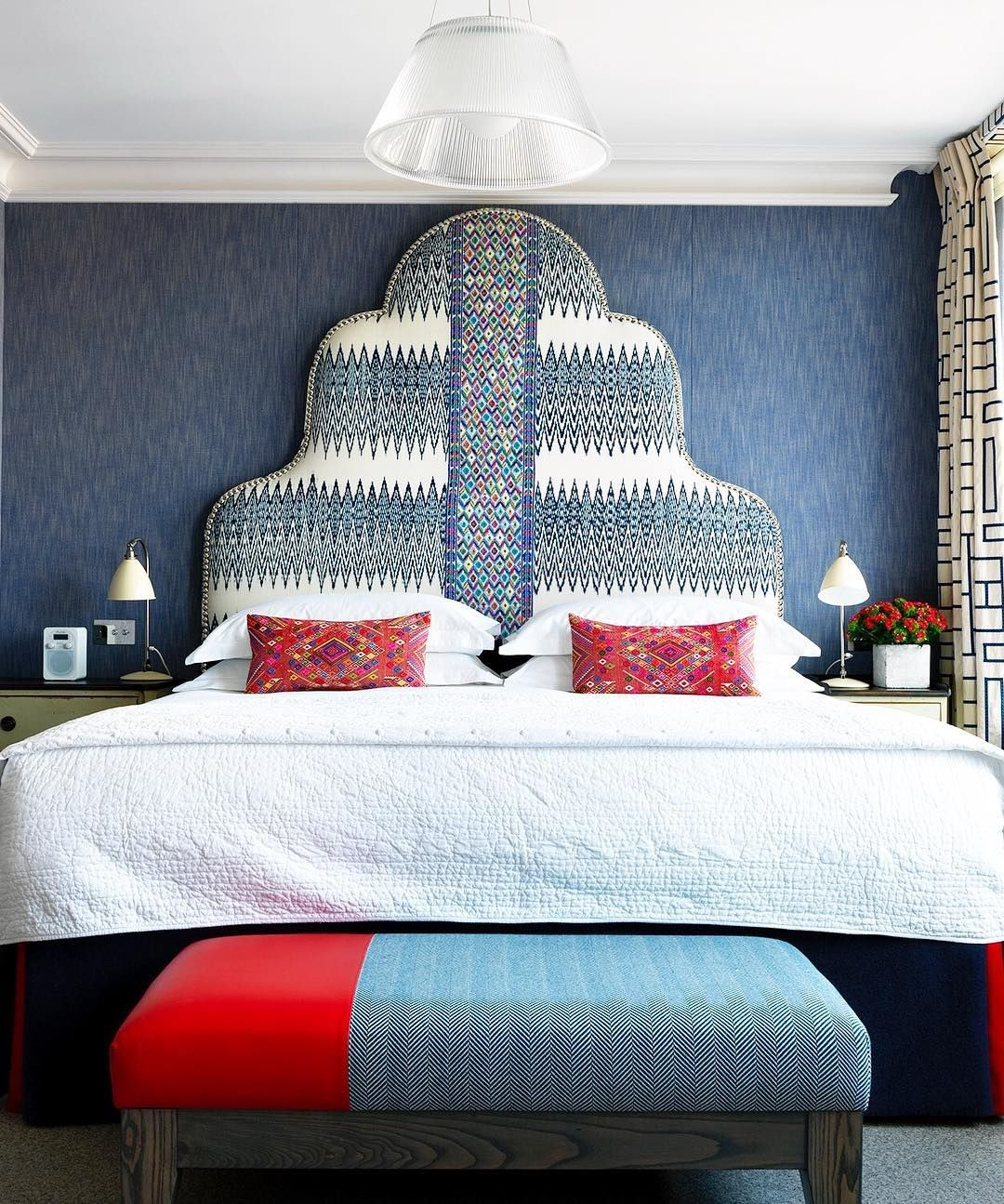 10 Luxury Bedroom Ideas Stunning Luxury Beds In Glamorous: A Collection Of Luxury Modern Classic Hotels Designed By