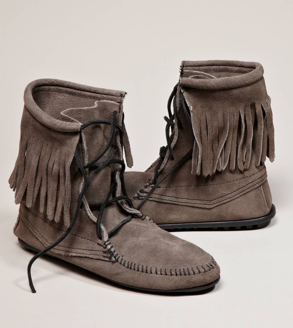 Minnetonka Tramper Ankle Hi Boot American Eagle Outfitters Moccasin Ankle Boots Boots Moccasin Boots