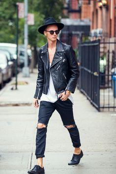 ripped jeans mens fashion - Google Search | Young Men Fashion ...