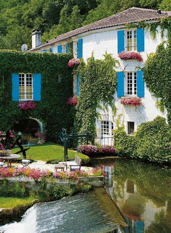 Le moulin de labbaye saint pierre de brantôme hotel et restaurant brantome france this hotel is totally charming