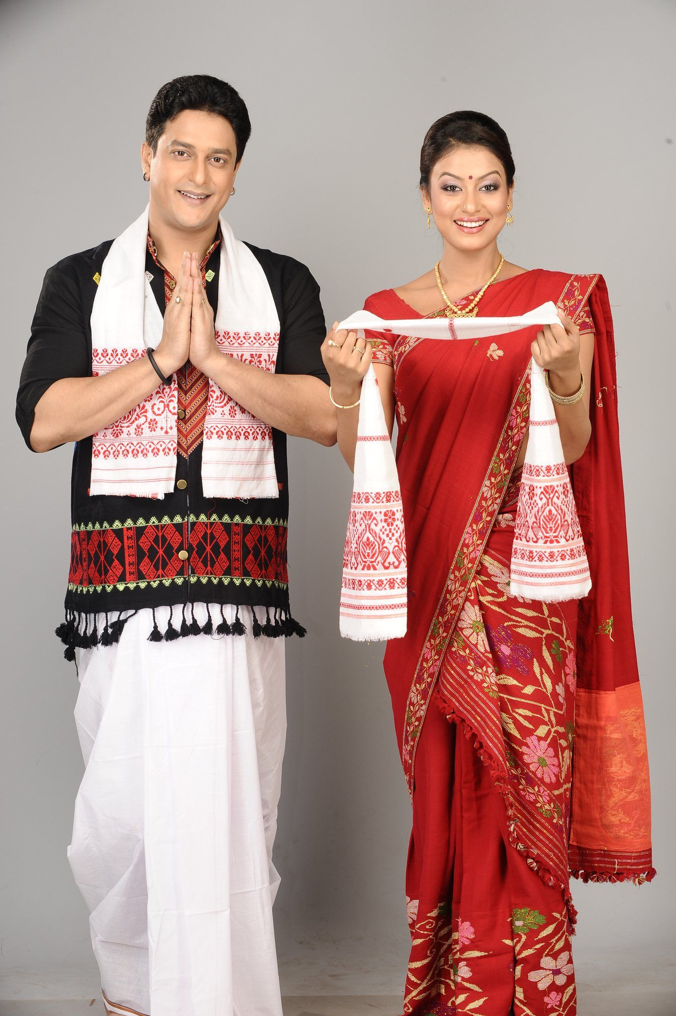 What is the Indian traditional costume?