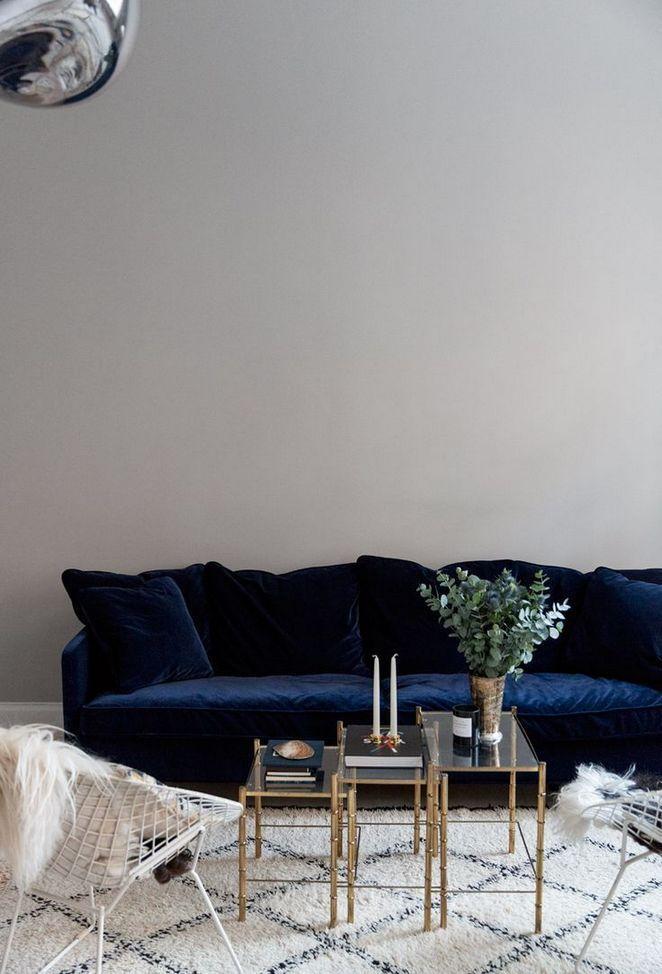 40 Detailed Notes On Blue Velvet Sofa In An Easy To Follow Order Huis Interieur Interieur Fluwelen Sofa