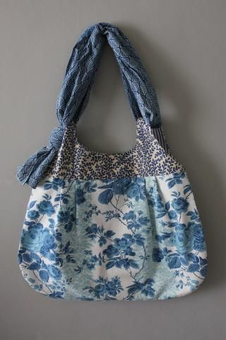 THORNHAM .  Meandering Bag . from the 'Curated Prints' collection
