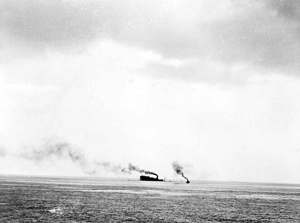 JUN  17 1940 The Lancastria bombed and sunk, thousands dead - See more at: http://ww2today.com/An image taken from some distance, there only appears to be one rescue ship near the Lancastria.