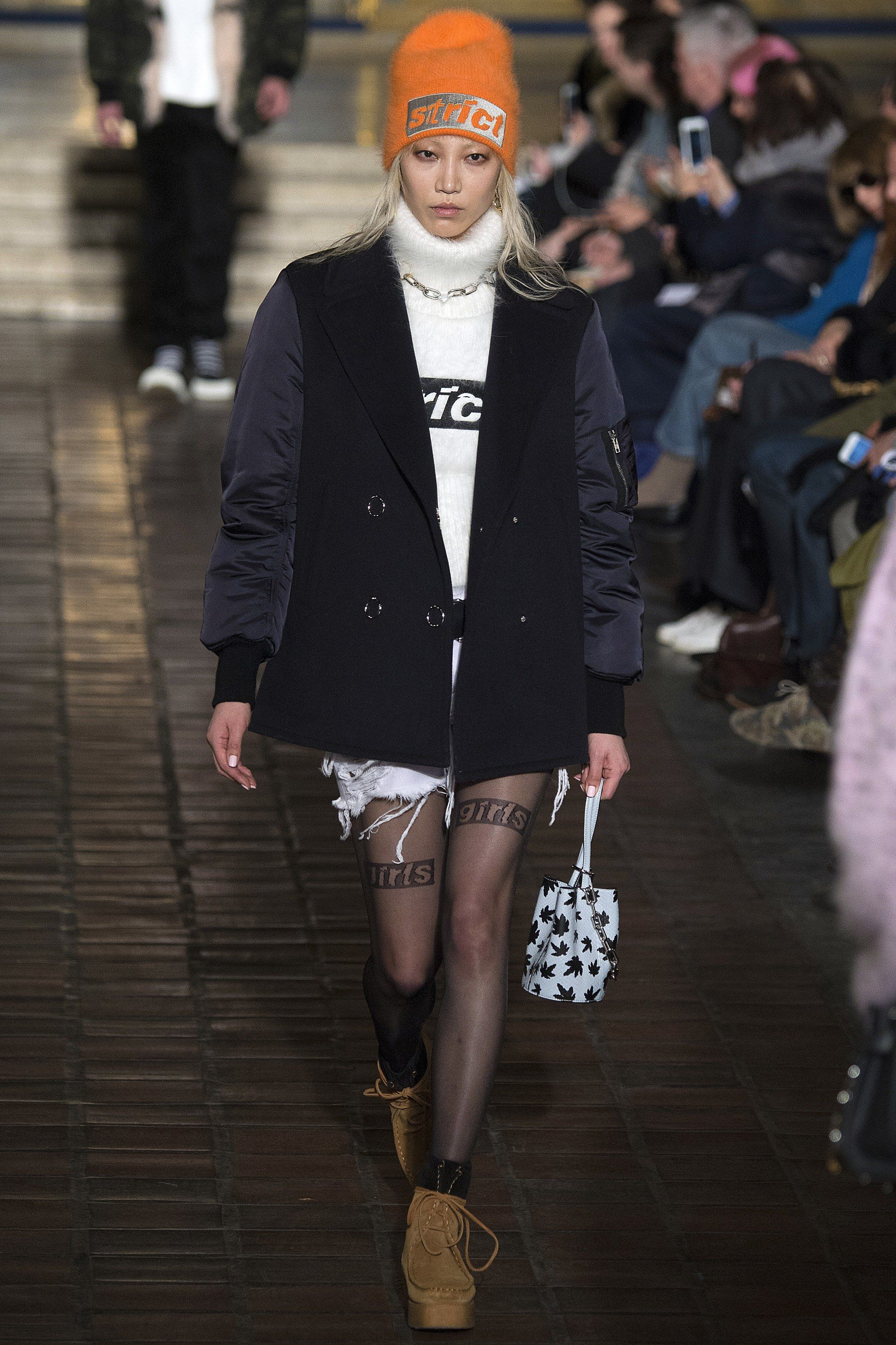 See the complete Alexander Wang Fall 2016 Ready-to-Wear collection.