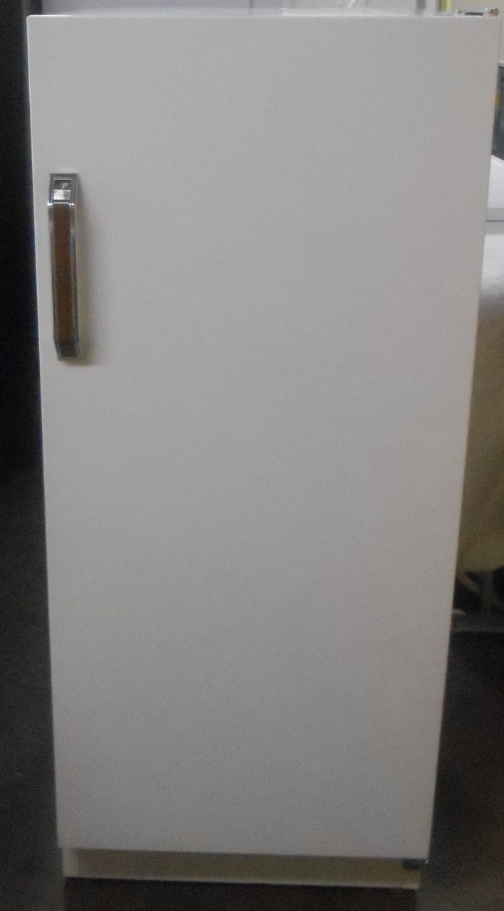 Appliance City Montgomery Wards Upright Freezer 10 Cubic Foot Manual Defrost 3 Shelves Plus Bottom Storage 4 Door She Upright Freezer Door Shelves Cubic Foot