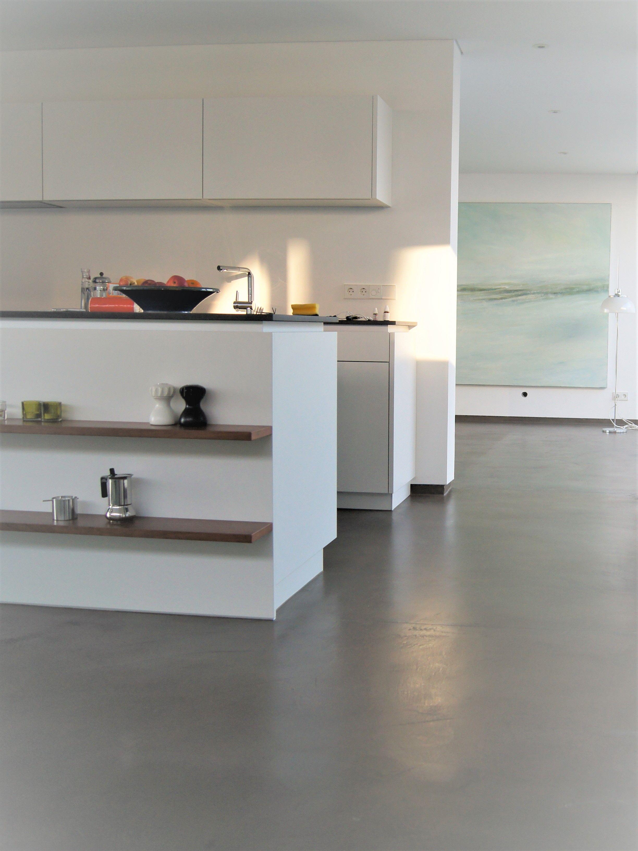 Kuchenboden Fugenlos Hygienisch Und Top Modern Aus Gespachtelten Feinen Beton By Fugenlos Modern De Kuche Betonoptik Haus Kuchen Kuchenboden