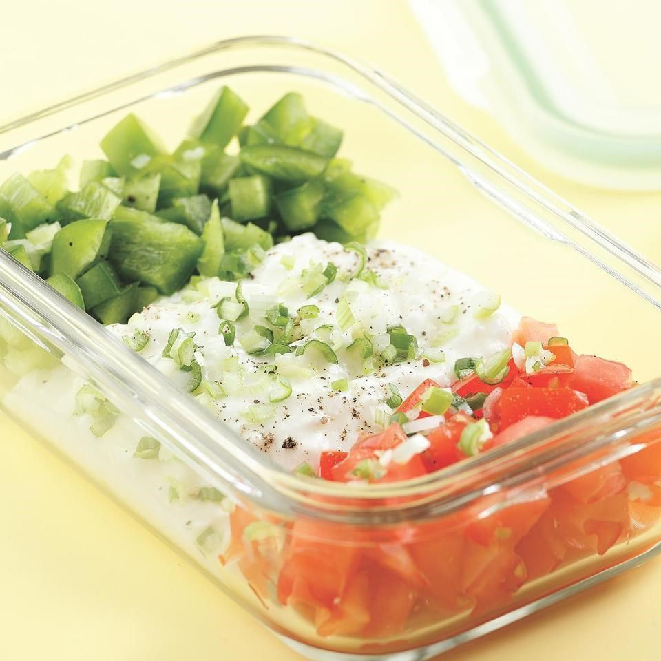 Cottage cheese topped with crunchy bell pepper and sweet tomato cottage cheese salad sisterspd
