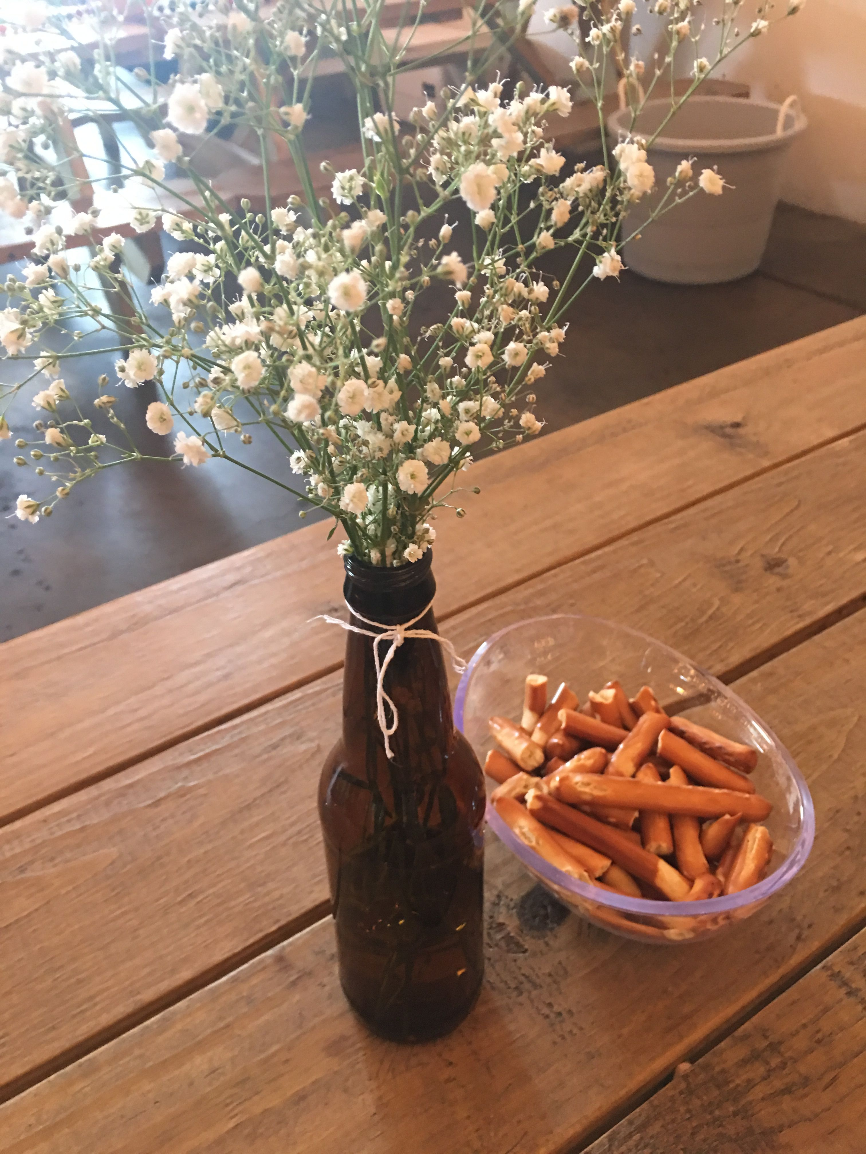 Very Simple Centerpiece Baby Breath In A Beer Bottle A Baby Is Brewing Baby Shower Beer Baby Shower Brew Baby Shower Beer Bottle Centerpieces