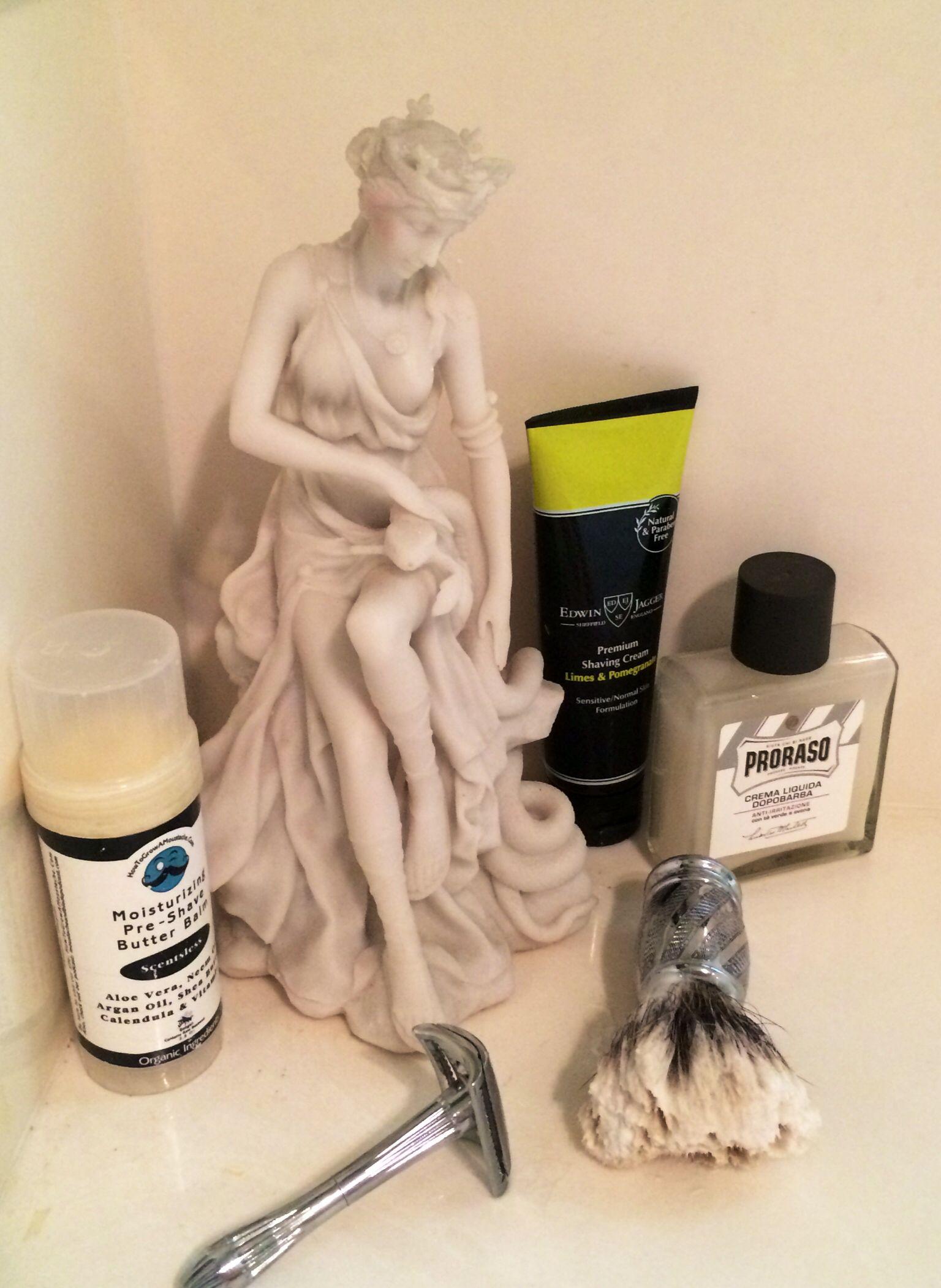 SOTD - Lady Pomco Slant, Astra green blades, BossRazors re-knotted brush, Proraso white balm & Edwin Jagger Limes & Pom shaving soap.