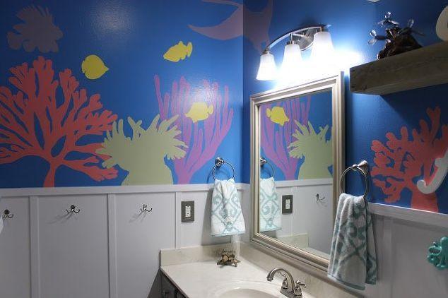 Diy Under The Sea Themed Kid S Bathroom Amazing Bathrooms Kids Bathroom Sea Bathroom Decor