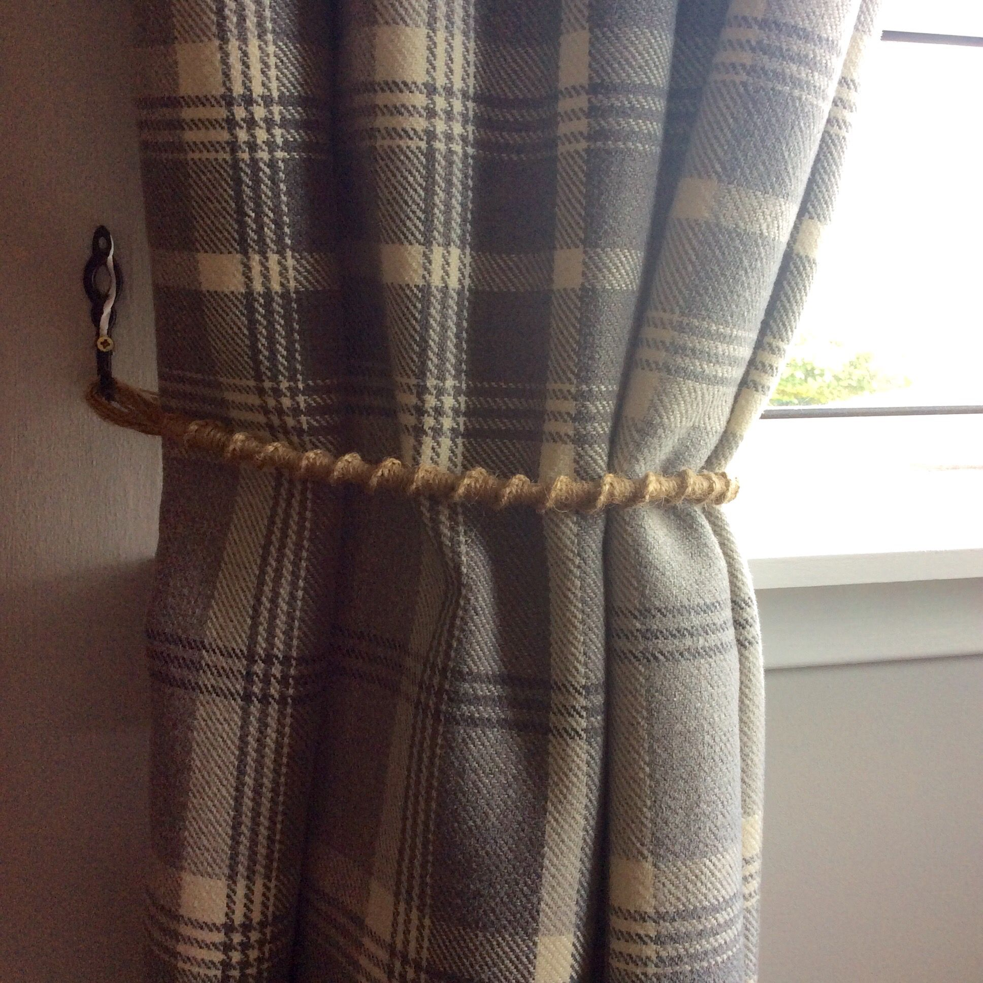 Diy Curtain Tie Backs I Made These From Garden Twine Using The