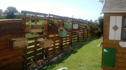 Astuces Et Bons Plans Deco Bricolage Jardin Beaute Jardiniere Palette Cloture En Palettes Cloture Naturelle