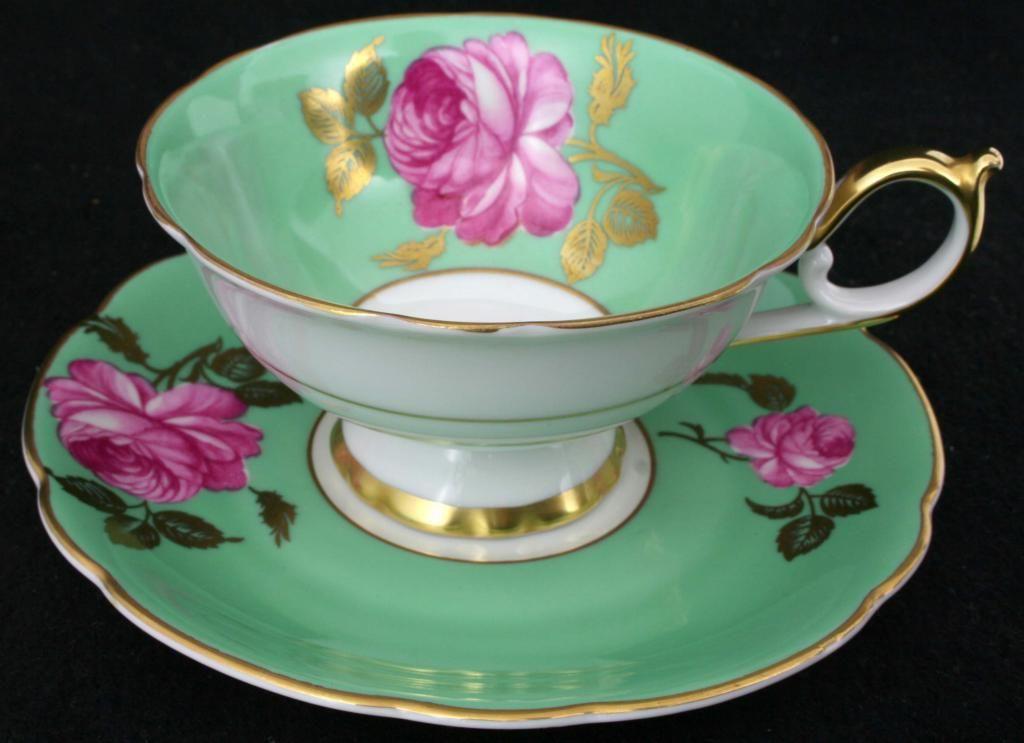 ROYAL BAYREUTH Tea Cup & Saucer / Green + Pink Rose Tea