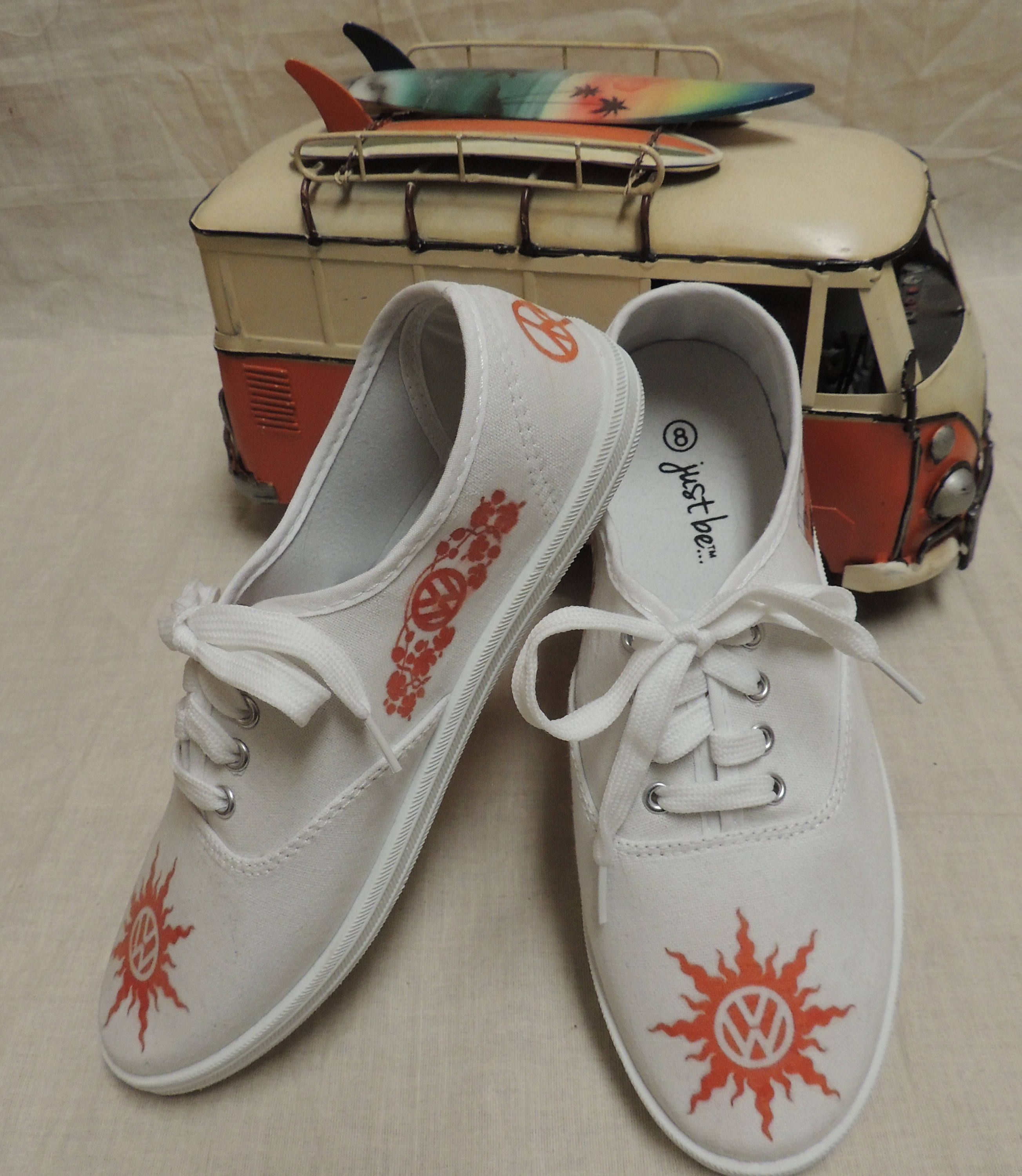 Ladies size 8 Hippie Van Tennis Shoes Peace c681ad700