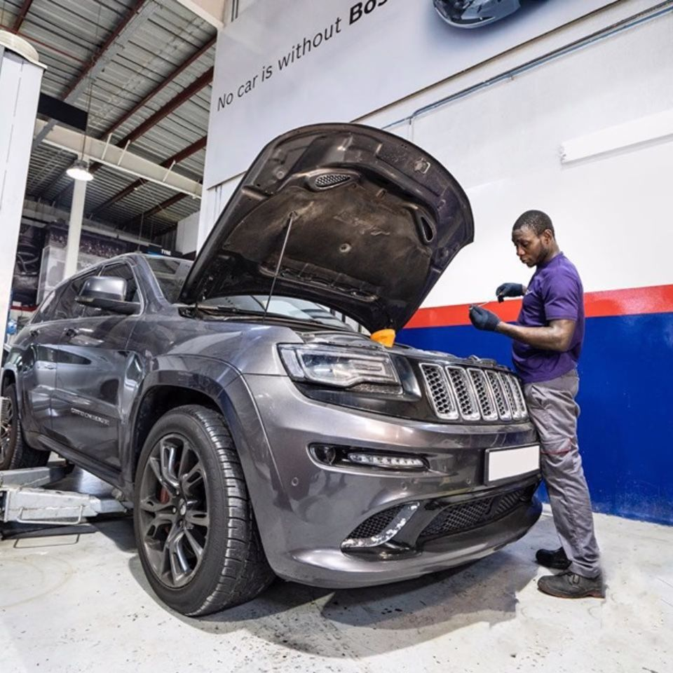 Jeep Srt8 In For An Oil Change Jeep Srt8 Buy Tires Tyre Shop