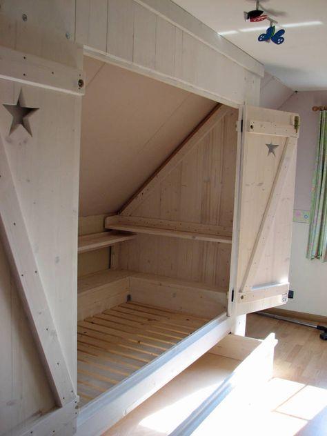 bedstee schuine wand google zoeken zolderkamers slaapzalen slaapkamer op zolder kinderen girls