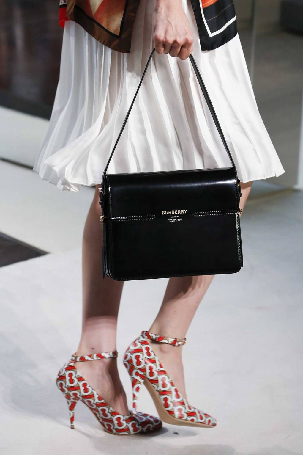 0c64944c61bb6 The 11 Definitive Accessories Trends Of Spring Summer 2019