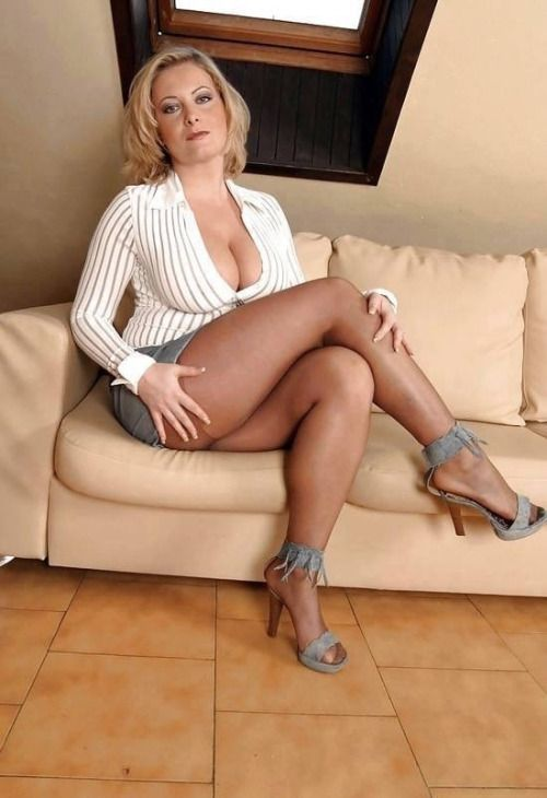 Asian beautiful nude woman sexual inercourse