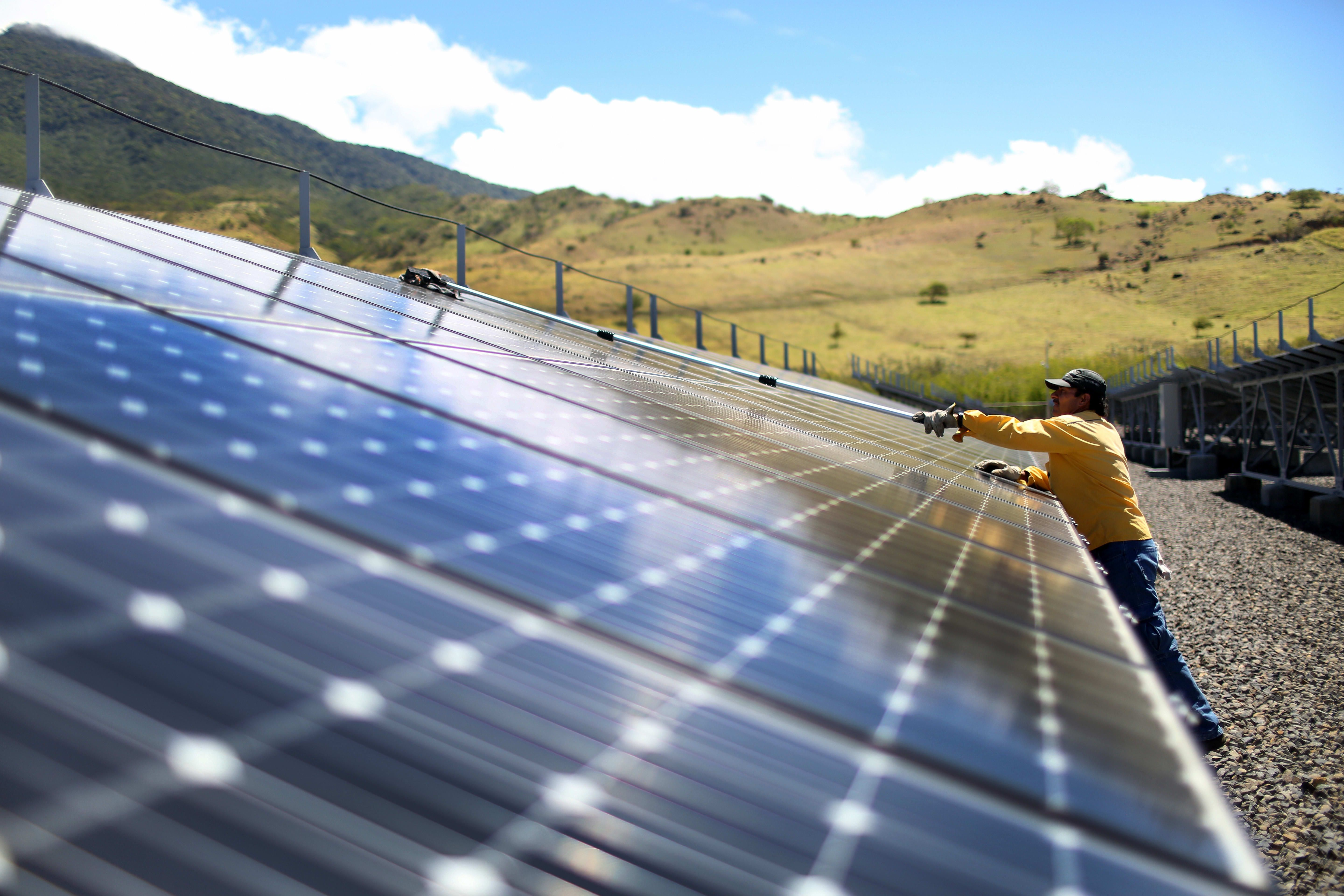 Governments Are Adopting Different Strategies For Reducing Their Carbon Footprint Solar Renewable Energy Solar Technology