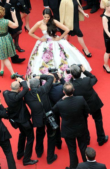 Sonam Kapoor - 'Jeune et Jolie' Premieres in Cannes — Part 3