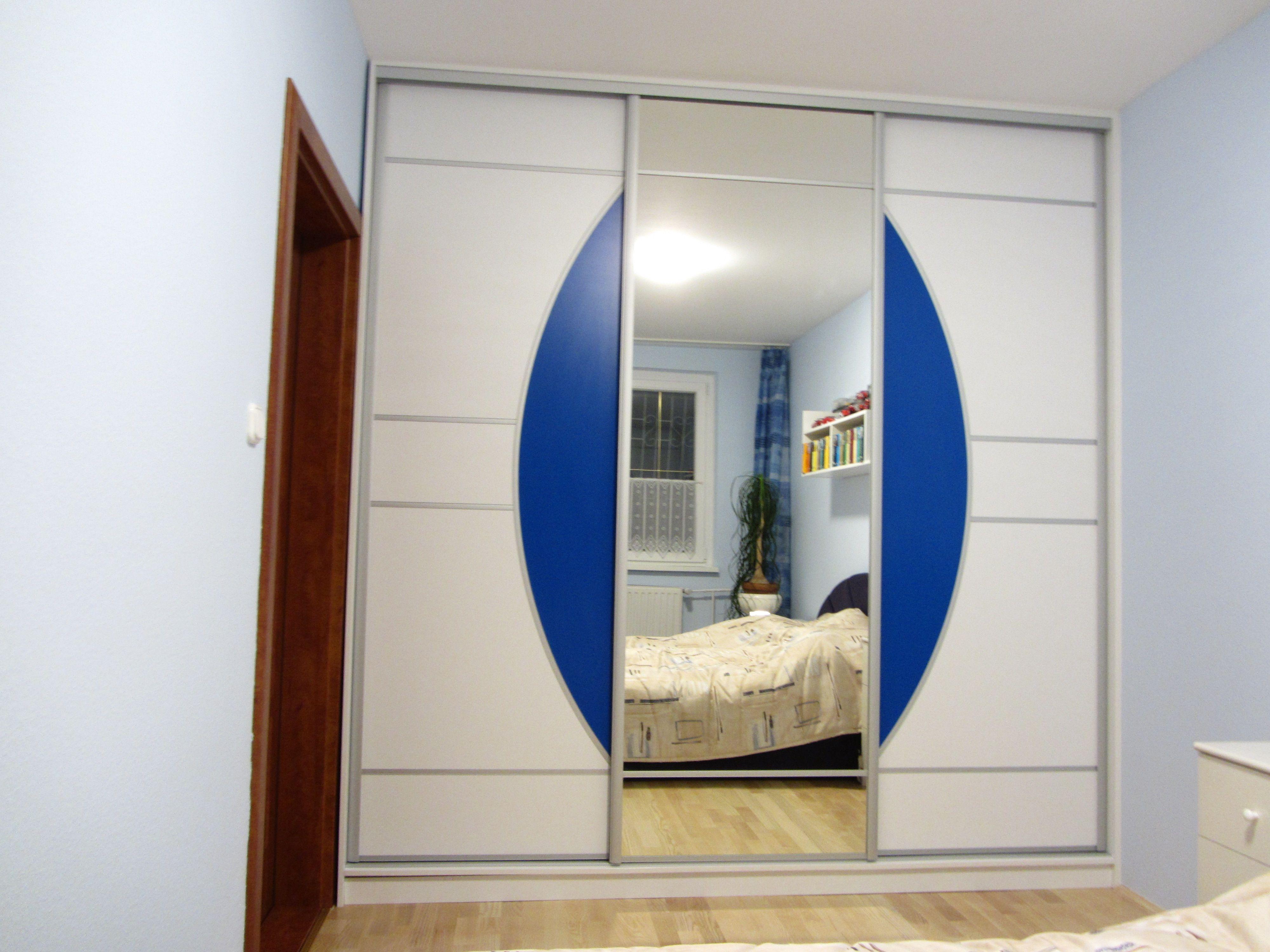 Tükrös tolóajtós beépített szekrény