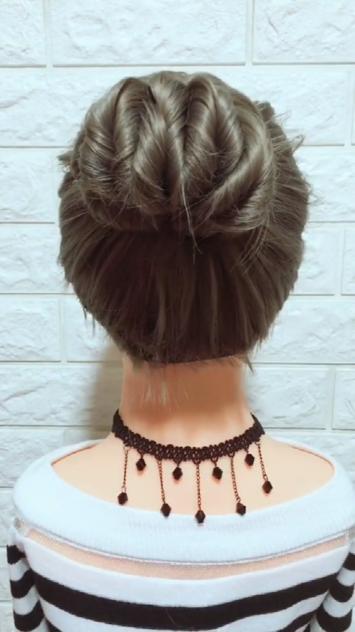 Twisted Side Braid Tutorial | Gal Meets Glam | Bloglovin' # tight Braids beautiful Twisted Side Braid Tutorial (Gal Meets Glam) # ladder Braids tutorial