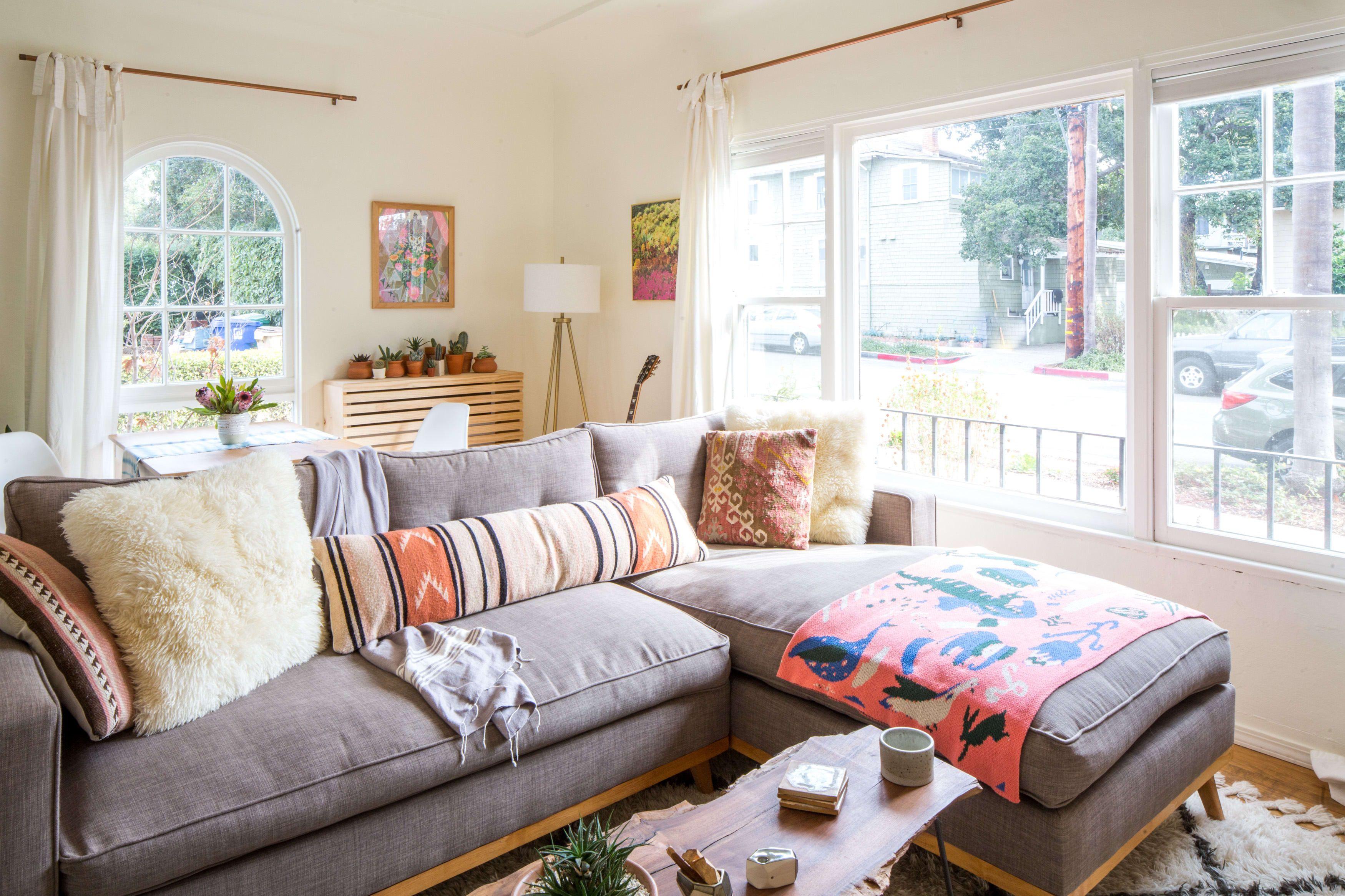 A Boho Minimal Rental In Santa Barbara With Images Cheap Living Room Furniture Cheap Living Room Sets Living Room Furniture
