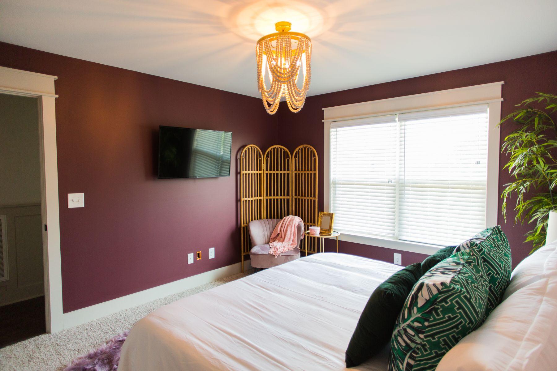 Tropical Bedroom Burgundy Bedroom Tropical Bedrooms Maroon Walls