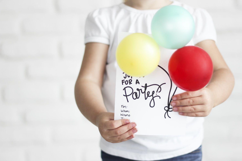 Balloon-Filled #BirthdayParty Invitations | Party | Pinterest ...